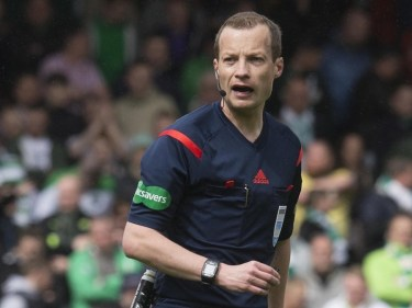 Willie Collum was the centre of attention as Aberdeen's winning run came to an end.