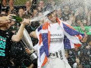 "Lewis Hamilton insists he has ""1000 per cent trust"" in Mercedes"