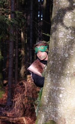 Waldgeister und Baumelfen im Nationalpark freuen sich auf die Hilfe von möglichst vielen Kindern, die ihnen bei der Suche nach ihrem verlorenen Schatz helfen. (Foto: NPV Bayerischer Wald)
