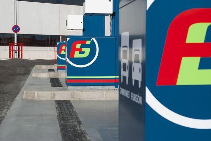 Die vom Kraftfahrt-Bundesamt (KBA) vorgelegten Neuzulassungszahlen für 2017 zeigen für den Alternativkraftstoff Autogas einen positiven Trend: Autogas-Pkw legten im Januar und Februar 2017 im Vergleich zu den entsprechenden Monaten des Vorjahres deutlich zu, während Erdgas-Fahrzeuge Verluste hinnehmen mussten. Das Fazit des Deutschen Verbandes Flüssiggas e.