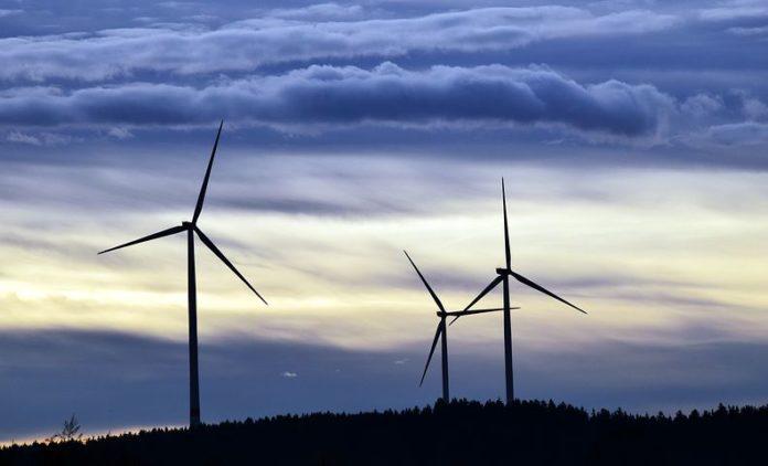 """Windstrom aus Altanlagen ist sehr günstig, das zeigt die Studie"""", so Oliver Hummel. """"Aber die Strompreise am Kurzfristmarkt der Börse, wie wir Sie aktuell erleben, sind für kein Kraftwerk - gleich welcher Technologie - auskömmlich."""""""