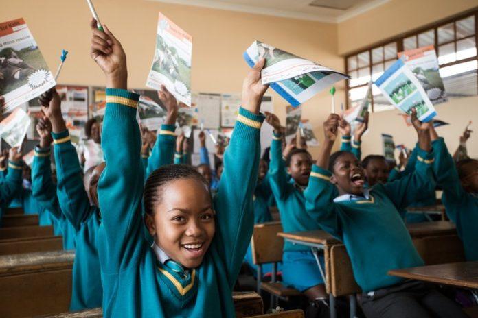 Südafrikas Bildungsministerin will dpa-Kinderzeitung für möglichst viele Schüler