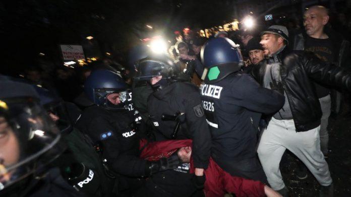 Berliner CDU fordert Konsequenzen aus 1. Mai-Demo in Kreuzberg