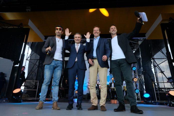 Celebrities, Teampräsentation, Bild, Sport, Radsport, Tour de France, Grand Départ, Düsseldorf