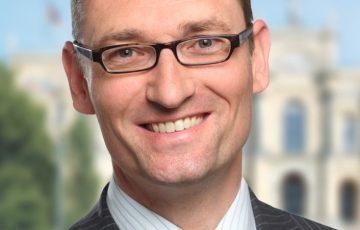 Bernhard Seidenath und Klaus Holetschek: CSU-Fraktion fordert mehr finanzielle Unterstützung für Familien sterbenskranker Kinder