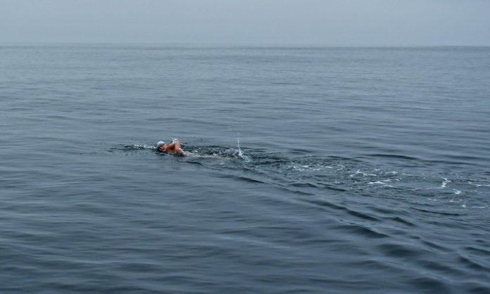 Marburger Ausnahmeathletin nimmt die dritte Hürde Nathalie Pohl erobert den Catalina Channel in Kalifornien