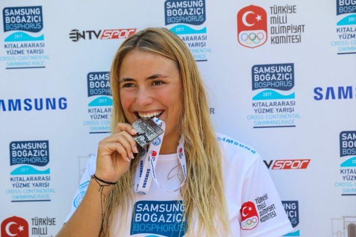 Nathalie Pohl, Bild, Sport, Freiwasserschwimmen, Cross-continental ,Swimming Race, Auszeichnung, Marburg