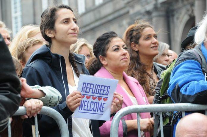 Flüchtlinge, Politik, Partei, Asylpolitik, Soziales, Abschiebeflughafen, Kommune, Wahlen, Düsseldorf