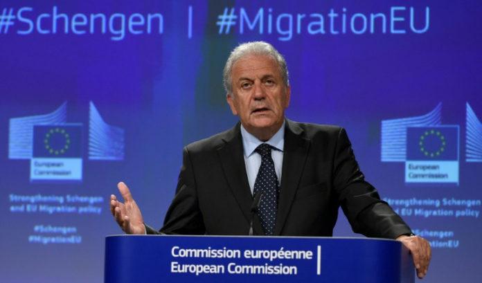 Asylreform,Politik,News,Dimitris Avramopoulos ,Flüchtlinge