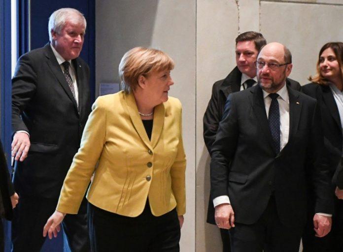 Politik,News,Berlin,Angela Merkel ,Horst Seehofer, Martin Schulz