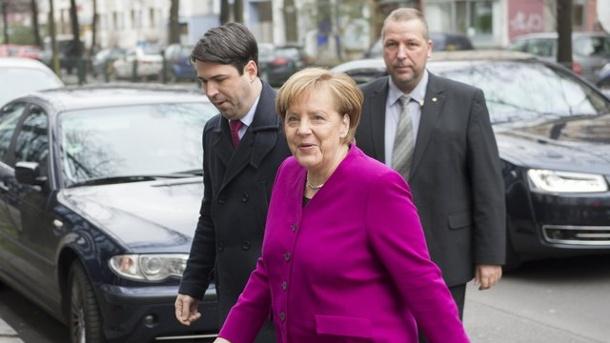 Nachrichten, Parteien, Regierung, CDU, CSU, SPD, Deutschland,Politik,Sigmar Gabriel,Angela Merkel,Martin Schulz