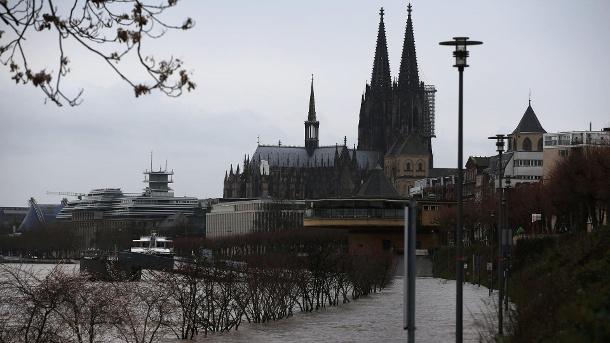 Nachrichten, Panorama, Rhein, Köln, Hochwasser, Schifffahrt, Koblenz, Donau