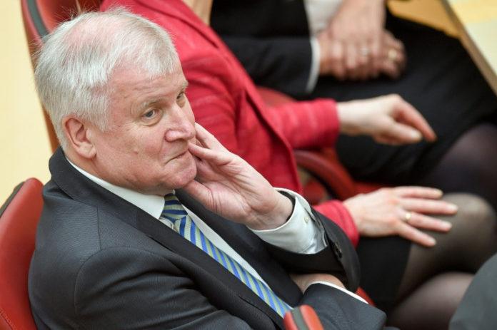 Horst Seehofer,CDU,News,Politik,Angela Merkel ,Der Islam gehört nicht zu Deutschland