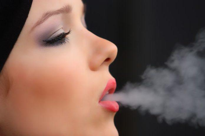 Zigaretten ,Medizin,Wellness, Medien,Kommunikation,Rauchen,Gesundheit,Netzwelt,Facebook,