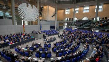 Flüchtlingspolitik,bundestag berät über flüchtlingspolitik,Politik,Berlin,Bundestag,CDU/CSU,Horst Seehofer
