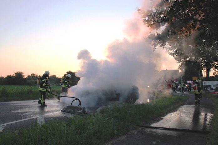 Gangelt-Kreuzrath,Feuerwehr Gangelt,Nachrichten,Feuerwehr,Auto/Verkehr