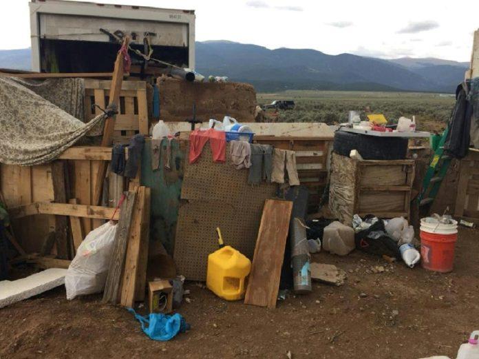 New Mexico,Nachrichten,Kinder,Extremisten,Georgia, Taos,Ausland,verwahrloste Kinder,USA
