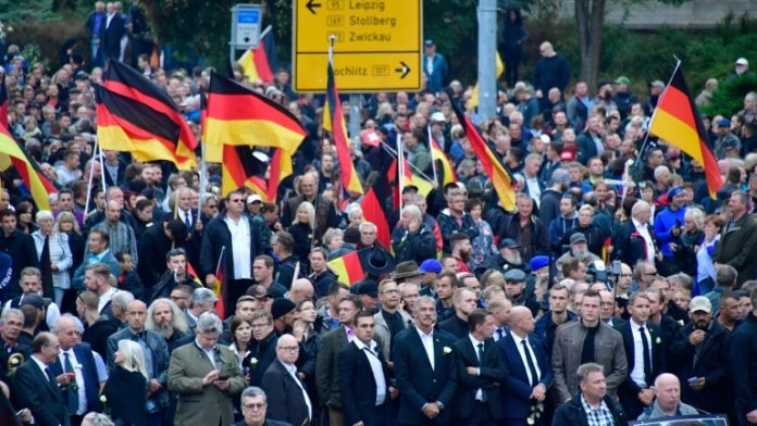 AfD, Pro-Chemnitz ,Pegida,Politik,Nachrichten,Chemnitz,Debatte über Beobachtung der AfD,Thomas Strobl ,Daniel Günther ,Flüchtlinge
