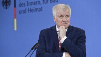 Innenpolitik, Fernsehen, Politik,Bonn,Nachrichten,Horst Seehofer,CSU-Chef Seehofer