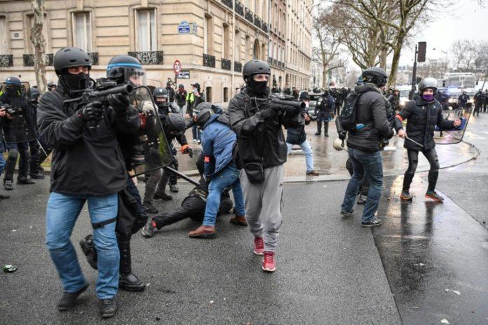 Gelbwesten,Politik,Auslanf,Außenpolitik,Nachrichten,News,Presse,Aktuelles,Emmanuel Macron