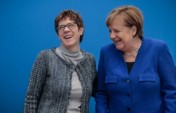 Annegret Kramp-Karrenbauer , Angela Merkel,CDU