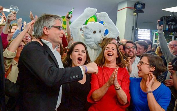GroKo-Parteien stürzen bei Europawahl auf historischen Tiefstand