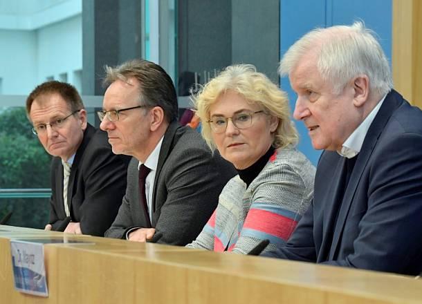 Horst Seehofer ,Berlin,Politik,Presse,News,Medien