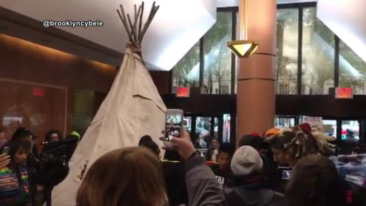 Dakota Access Pipeline Protest Targets Clinton Campaign Headquarters