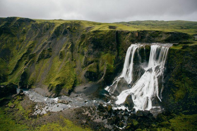 Schottland Wasserfall Klippen