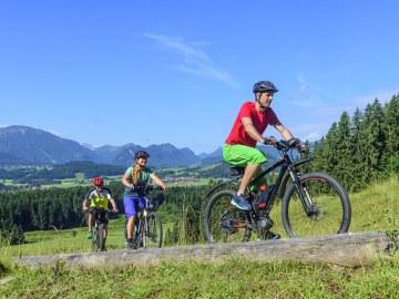 Ratouren mit E-bike in den Bergen