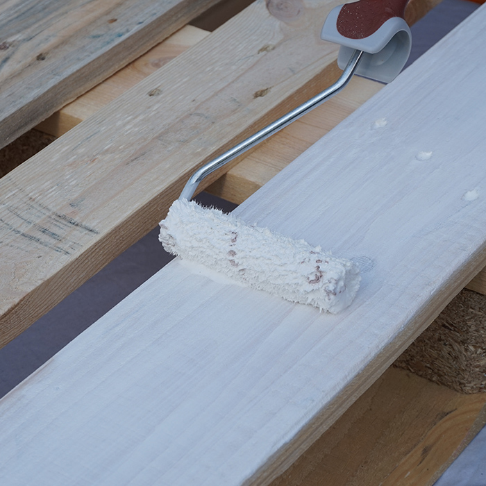 Palette für Möbelbau weiß streichen lackieren