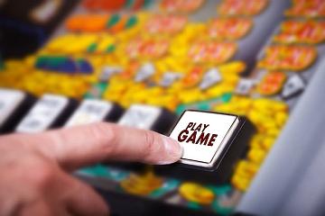 Biella: Tar si esprime contro limiti orari alle slot e lascia aperte alcune sale giochi