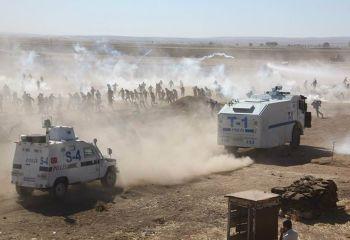 Kobanê sınırında ki halka polis ve asker müdahale etti!