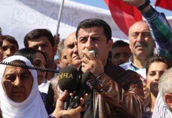 Demirtaş Kobané sınırında: ''IŞİD Avrupa komşusu mu olsun''