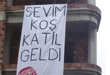 Hatay'da Davutoğlu'na pankart şoku