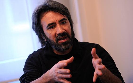 Ekim'de yeni filmi Bulantı'nın vizyona gireceği Ünlü Yönetmen Zeki Demirkubuz gündem ve son filmiyle ilgili önemli açıklamalarda bulundu.