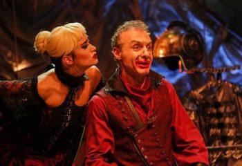 Ecem Üstündağ(Özkaya) ve Ahmet Saraçoğlu Caligula oyununu anlattı