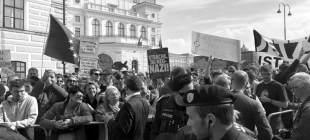 Aşırı sağcı Avusturyalı bakanlar istifa etti