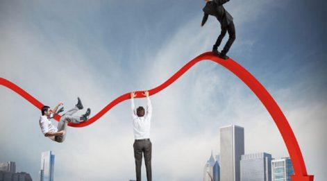 Ekonomi şahlanıyor mu?: Risk primi aldı başını gidiyor