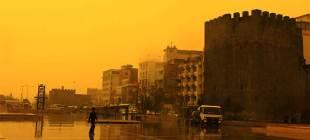 Uzmanlar uyardı: Çöl tozları soluk aldırmayacak