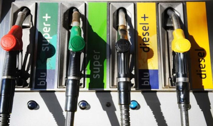 Di nuovo in rialzo il prezzo della benzina, un vero incubo