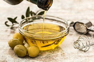 Olio d'oliva - Foto di Steve Buissinne da Pixabay