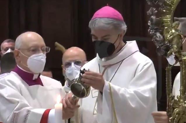 San Gennaro, niente miracolo: non si scioglie il sangue nella teca