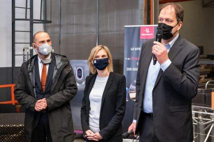 Signature accord du partenariat entre Bourgeat et Vorwerk pour la fabrication du bol mixeur du Thermomix, en présence de Agnès Pannier-Runacher : allocutions