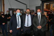 Sebastian Weber, resp achat chez Vorwerk, Jean-Philippe Termoz, ceo NINCAR, Rachid El Malki, ceo ETHIC OPEX, chez Bourgeat lors de la célébration du contrat Vorwerk-Bourgeat