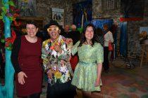 Christelle Marchal, maire de Malleval et les 2 artistes Jean-Luc Boun, Emma Henriot au Vernissage de exposition de 7 artistes Internationaux à la Galerie d'Art Emma