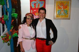 Emma Henriot et Christelle Marchal, maire de Malleval à l'expo à la Galerie d'Art Emma