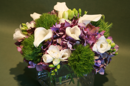Jephry Floral Studio offers a Comprehensive Range of Fresh Flower Arrangements 2