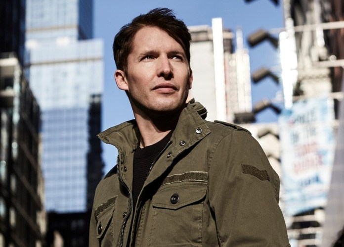 James Blunt Pop Musiker startet Tour 2017 in Deutschland - Foto credit: bb promotion