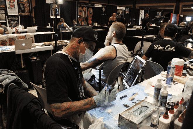 , Tatuador brasileiro especializado em realismo e no estilo preto e cinza aprimora técnicas nos Estados Unidos, Assessoria de Imprensa - Press Works